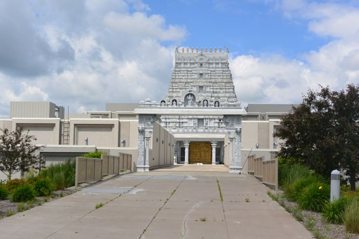 Hindu-temple-exterior